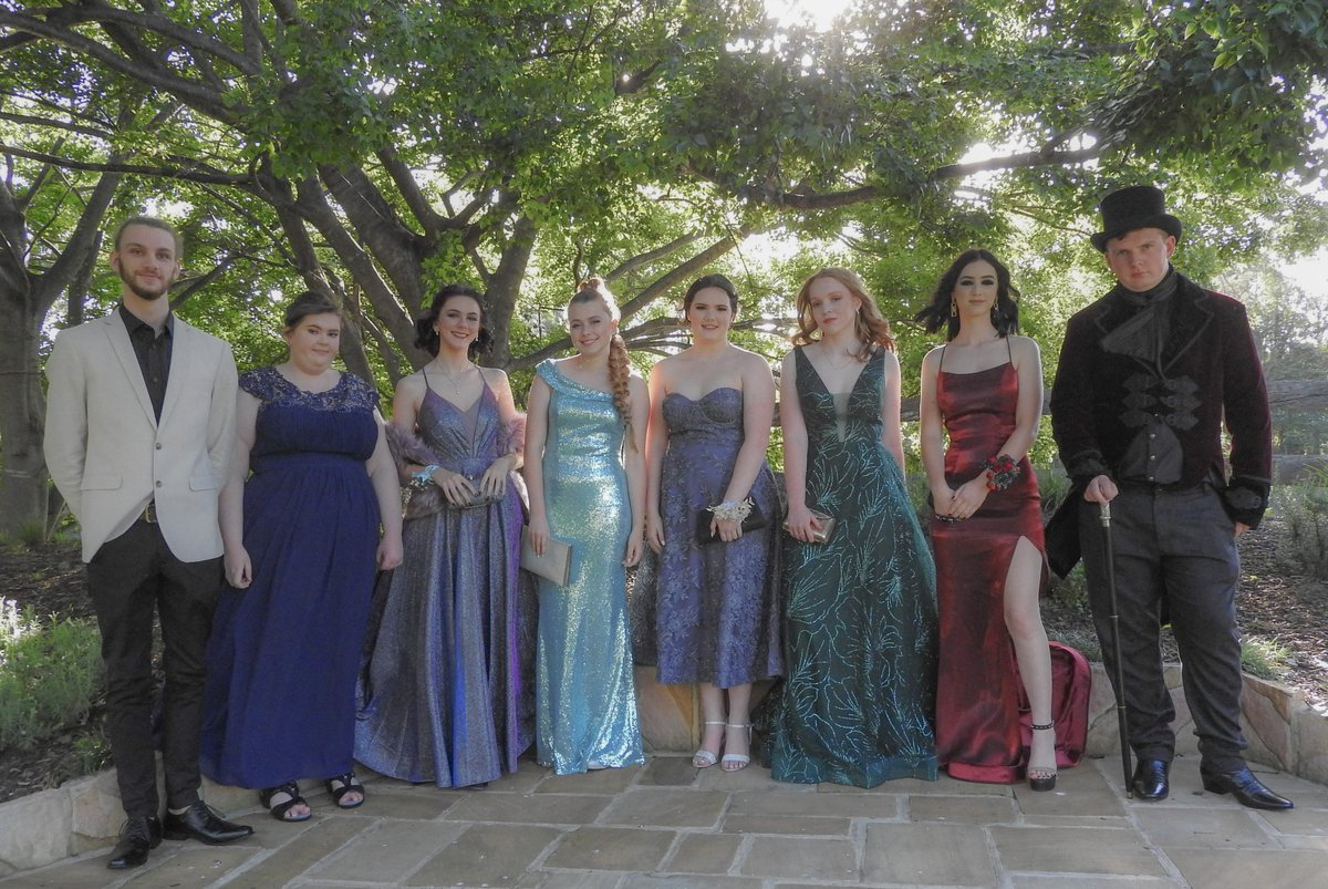 Farewelling Year 12 at their formal
