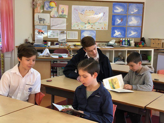 Year 9s mentor Year 3 reading