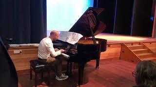 Stuart Wright performs Clair de Lune